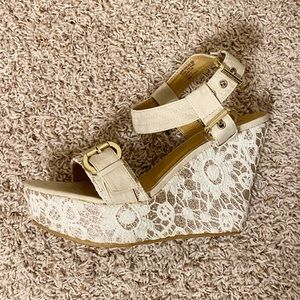 not rated tan and gold Lace wedges